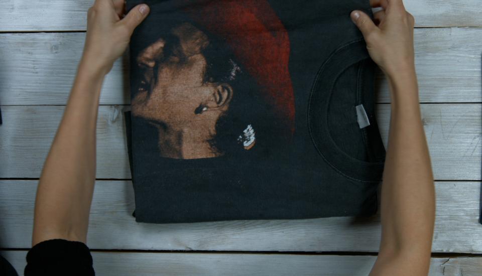 Zlepšovák: Jak složit tričko za 5 sekund