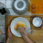 Zlepšovák: Jak oddělit žloutek od bílku