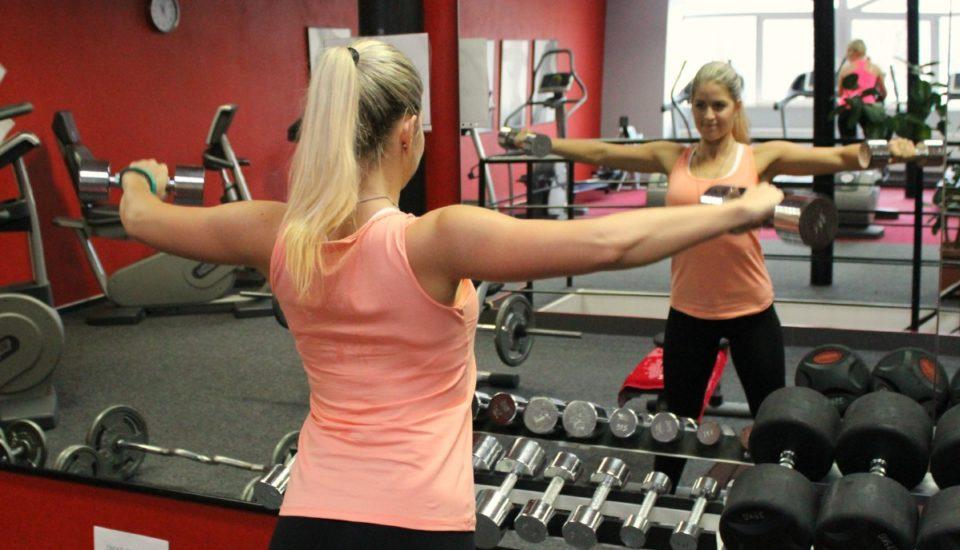 8 tipů, jak začít cvičit anepřestat