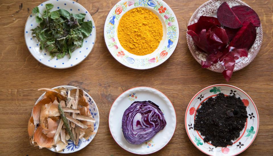 Tradiční barvení vajíček
