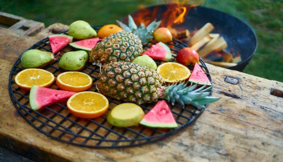 Ovoce na grilu