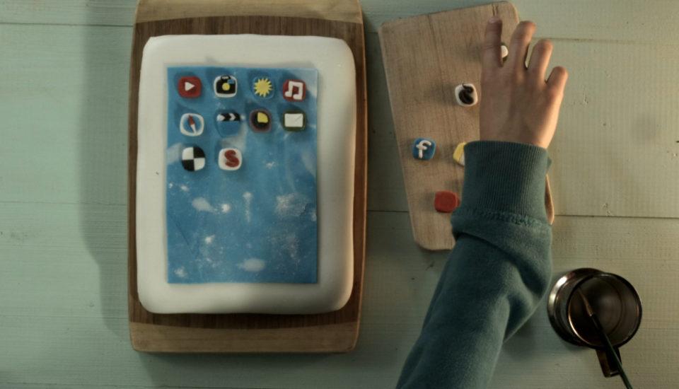Oči by jedly: Narozeninový dort ala tablet