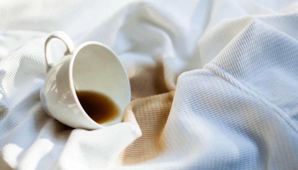 Jak odstranit skvrny od kávy