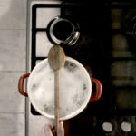 Zlepšovák: Jak vařit těstoviny, aby hrnec nepřetekl