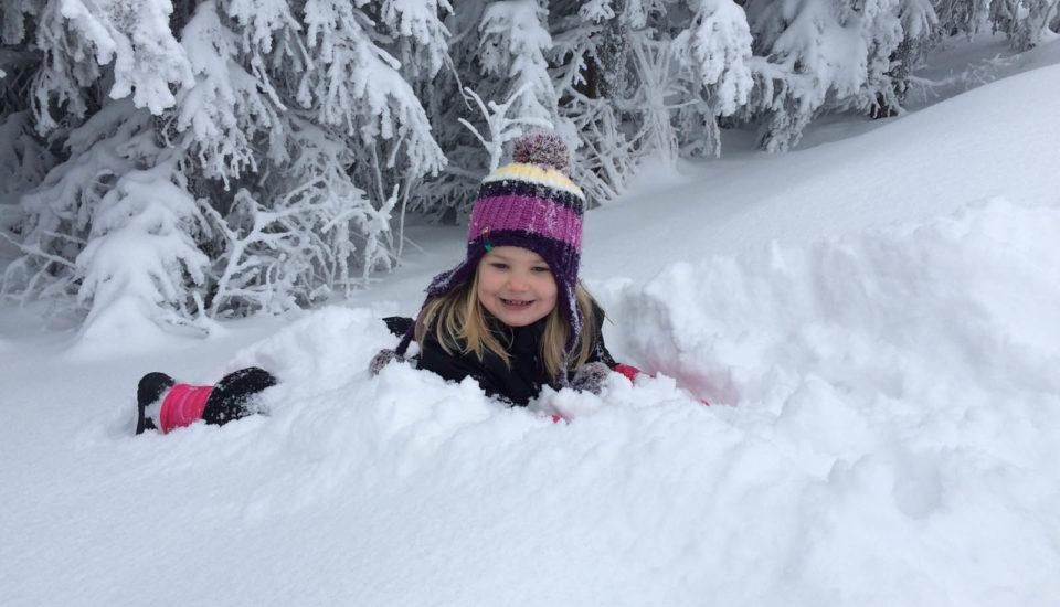 Kdy postavit děti poprvé na lyže?
