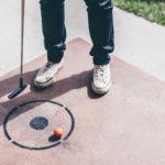 Minigolf je ideálním sportem pro celou rodinu