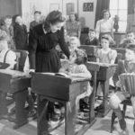 Devítiletá školní docházka je poměrně nová věc