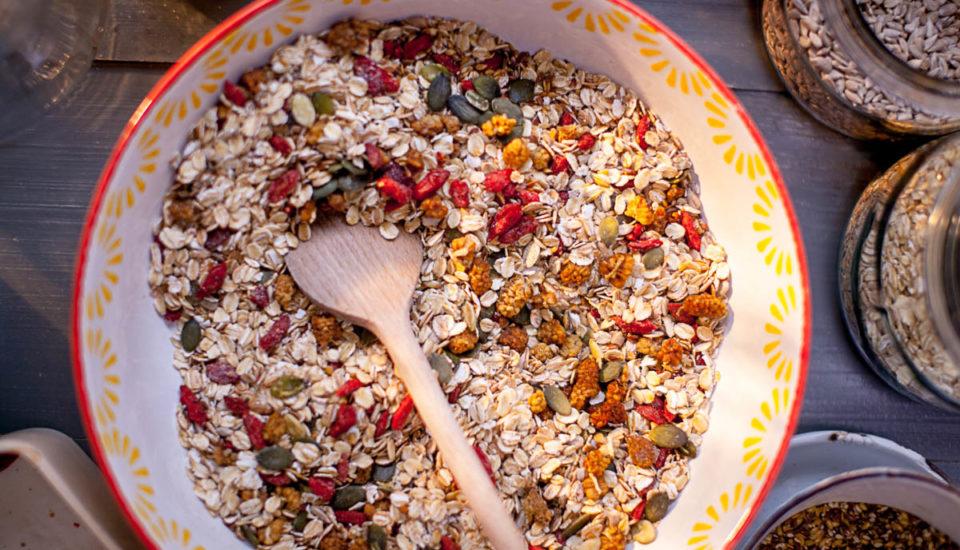 Super vločková kaše se semínky, moruší agoji