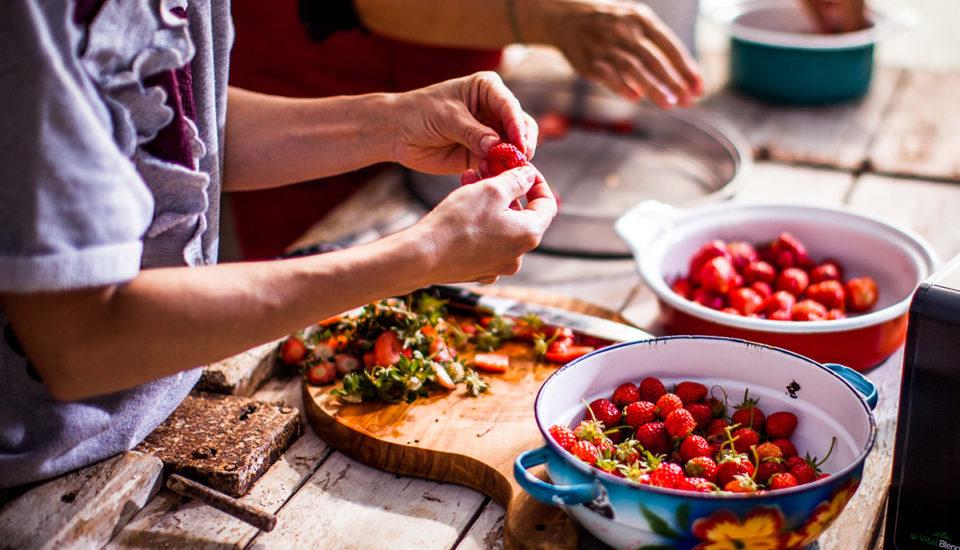 Královské ovoce: třešně, meloun, jahody. Pomůžou přihubnutí inemocech