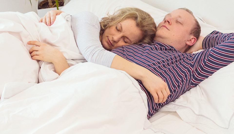 12 poloh pro usínání. Co říkají ovašem vztahu?