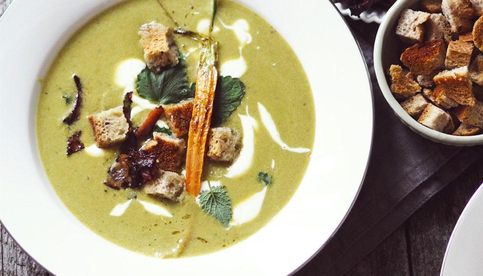Hlaďoučká hrášková polévka jako zluxusní restaurace