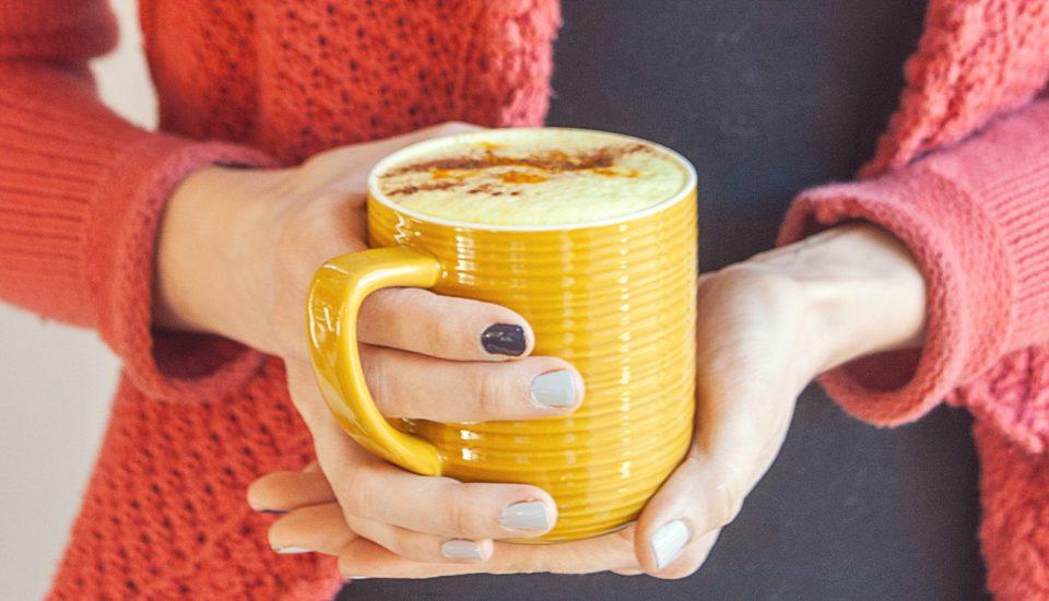 4 léčivé ahřejivé nápoje zmléka