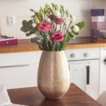 Dekorace, ve které navždycky uchováte svatební květinu