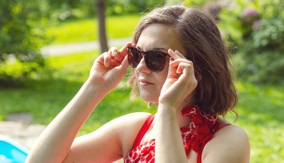 Umíte si správně vyčistit sluneční brýle?