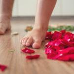 Připravte dětem isobě bosou dráhu – chodidla vám poděkují
