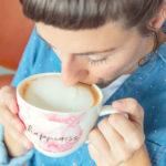 Jak doma našlehat mléko (skoro) jako vkavárně? Jde to překvapivě snadno