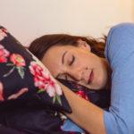 7 tipů, díky kterým se vyspíte lépe (už dnes)