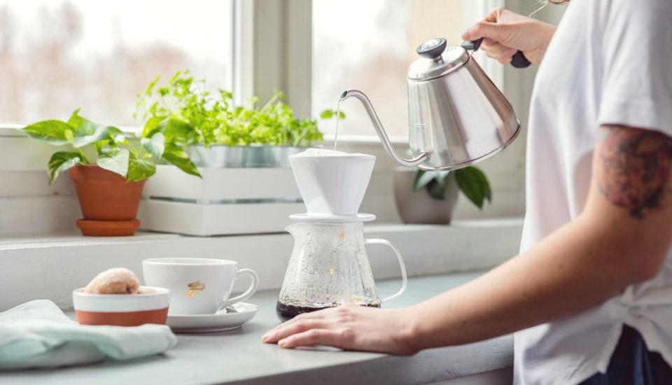 Jak si připravit kávu vkonvičce sfiltrem