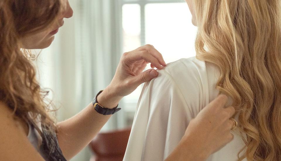 Co si obléknete pod svatební šaty?