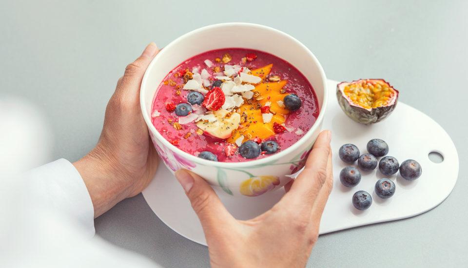 Miska plná barev – smoothie bowl (nejen) pro začátečníky