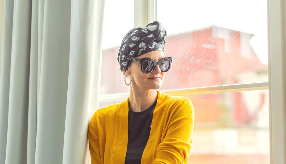 Šátek jako doplněk do vlasů imísto trička – jak ho uvázat?
