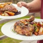 1 kuře, spousta porcí. Jak ho zpracovat, aby vzniklo jídlo na několik dnů?