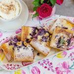 Kynutý borůvkový koláč ve zdravější verzi ašest druhů drobenky