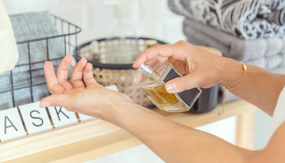 Jak si vybrat parfém asprávně se sním vonět