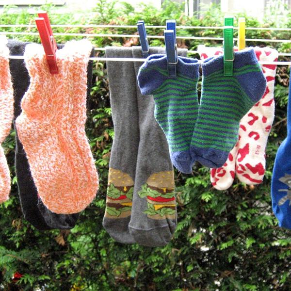 Ponožky musí být dvě