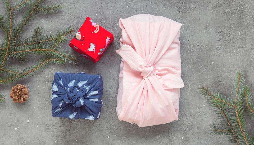 5 návodů na balení dárků do šátků podle japonské techniky furoshiki