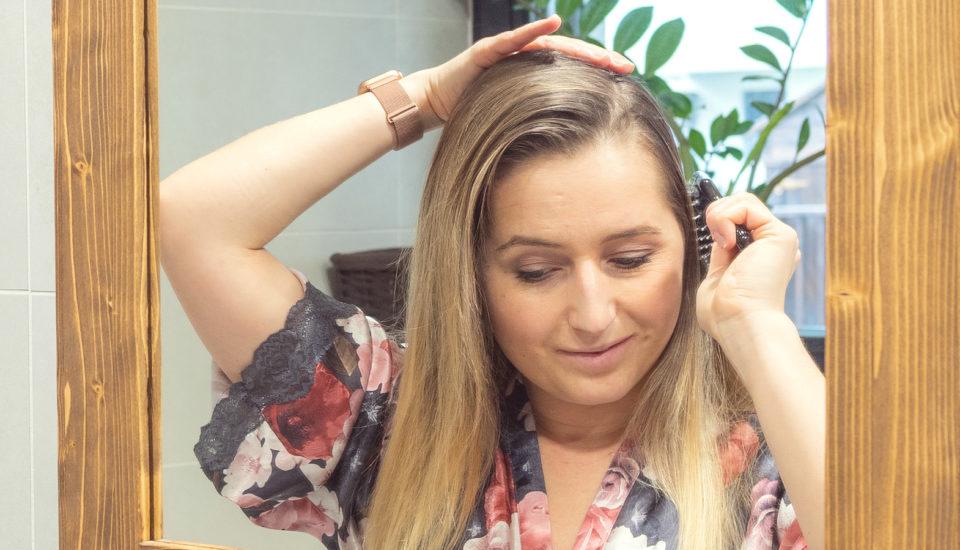Padání vlasů poporodu: Musíme se smířit sholými kouty, nebo se jim dá vyhnout?