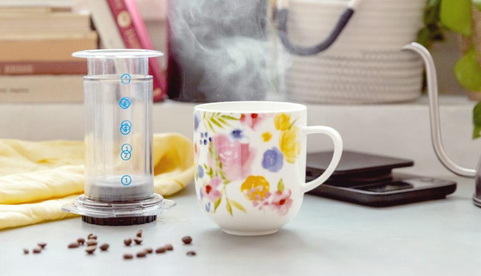 Jak si připravit kávu pomocí aeropressu? Zvládnete to za pár minut.