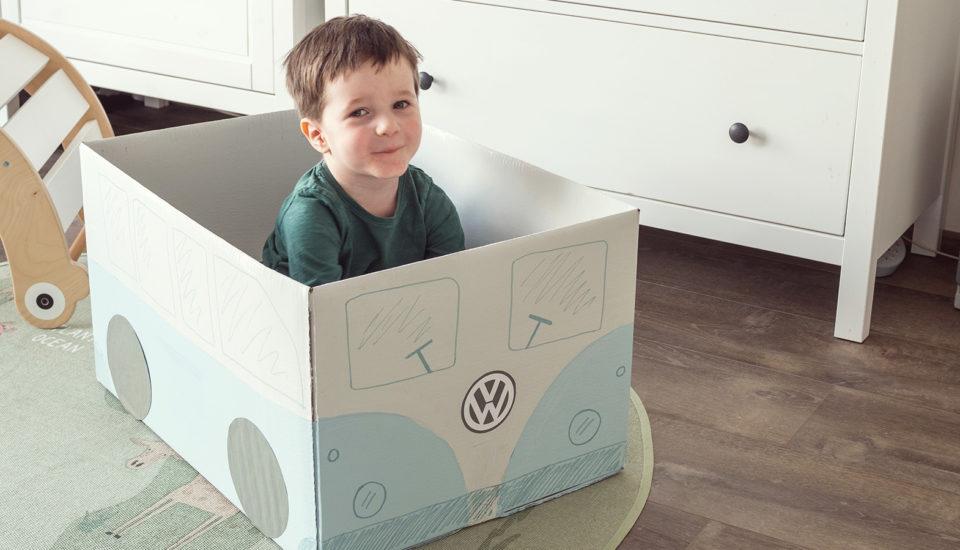 Vyrobte si sdětmi hračky zkrabic: Návod na autobus aparkoviště pro autíčka