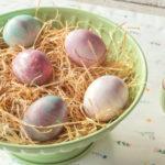 Duhová velikonoční vajíčka: Nabarvěte je pomocí pěny na holení
