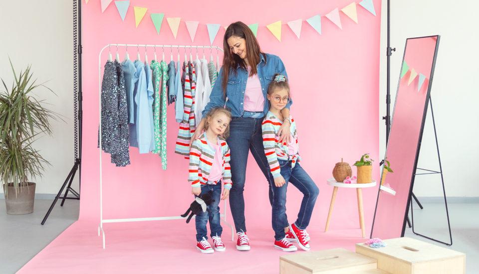 Jaká matka, taká Katka: Laďte outfity sdětmi vtrendu matchy-matchy