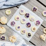 Sušenky zdobené jedlými květy abylinkami jsou hit! Jak na to?
