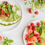 Zelené palačinky ze špenátového těsta: naslano ijako palačinkový dort