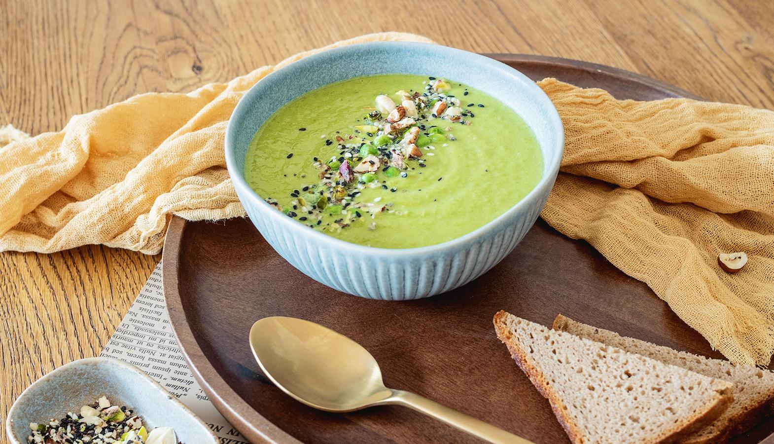 jak servírovat polévku