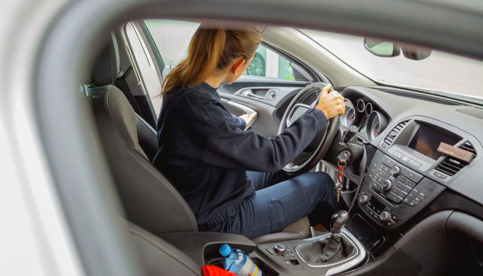 Dlouhé hodiny za volantem dají pěkně zabrat. Tipy, jak to zvládnout vpohodě