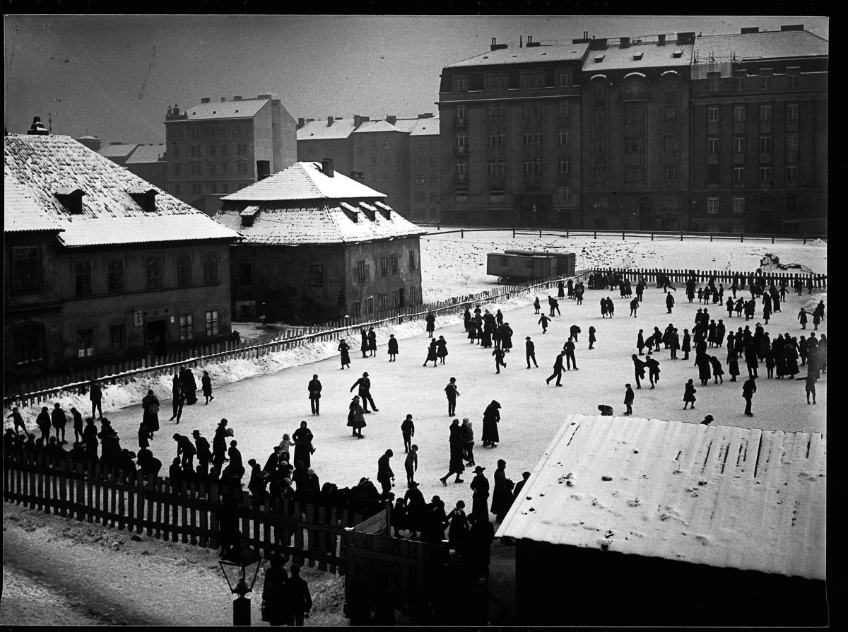Prague residents skate on an ice rink in winter, Czech Lands, ca. 1904-1908. | Location: Old Town, Prague, Czech Lands. (Photo by Jan Srp/Scheufler Collection/Corbis/VCG via Getty Images)