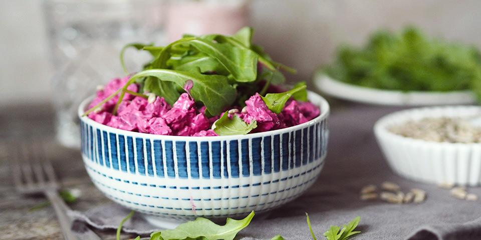 Hotový salát – dobrou chuť!